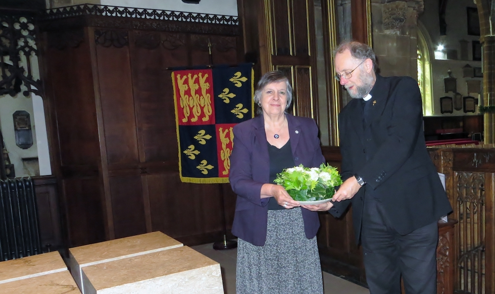 Secretary Anne Ayres about to lay a wreath in Leicester Cathedral on the anniversary of Richard's coronation in 2018.